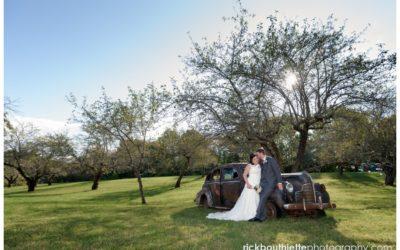 Rustic Sunset Hill Orchard Wedding :: Stephen + Leslie